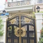 cửa cổng nhôm đúc đẹp cho biệt thự